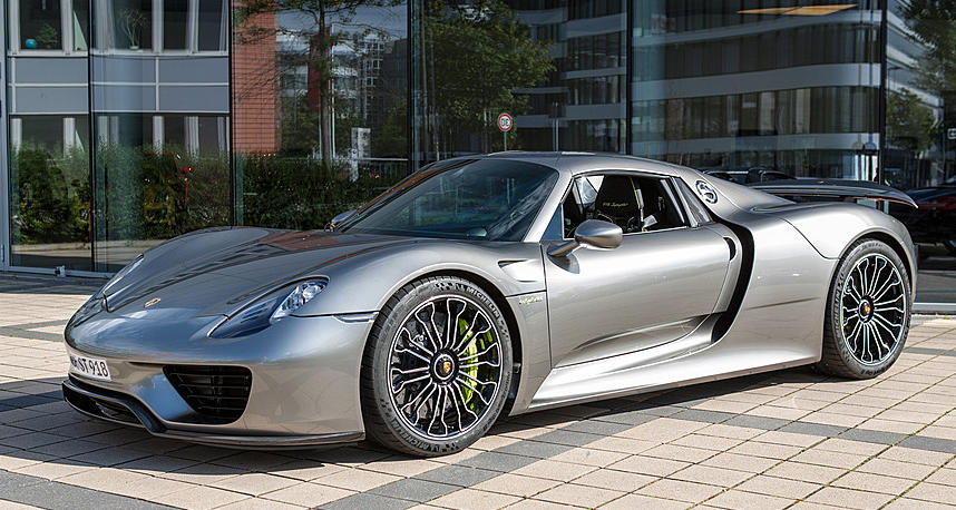 porsche 918 spyder liquid metal silver gtspirit 2014. Black Bedroom Furniture Sets. Home Design Ideas