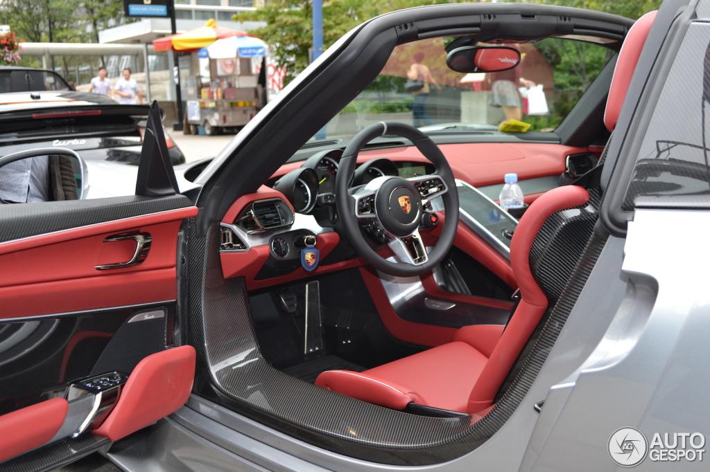 Porsche 918 Spyder Registry