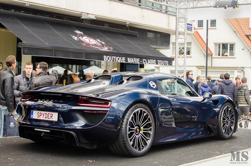 dark blue metallic porsche 918 spyder registry. Black Bedroom Furniture Sets. Home Design Ideas