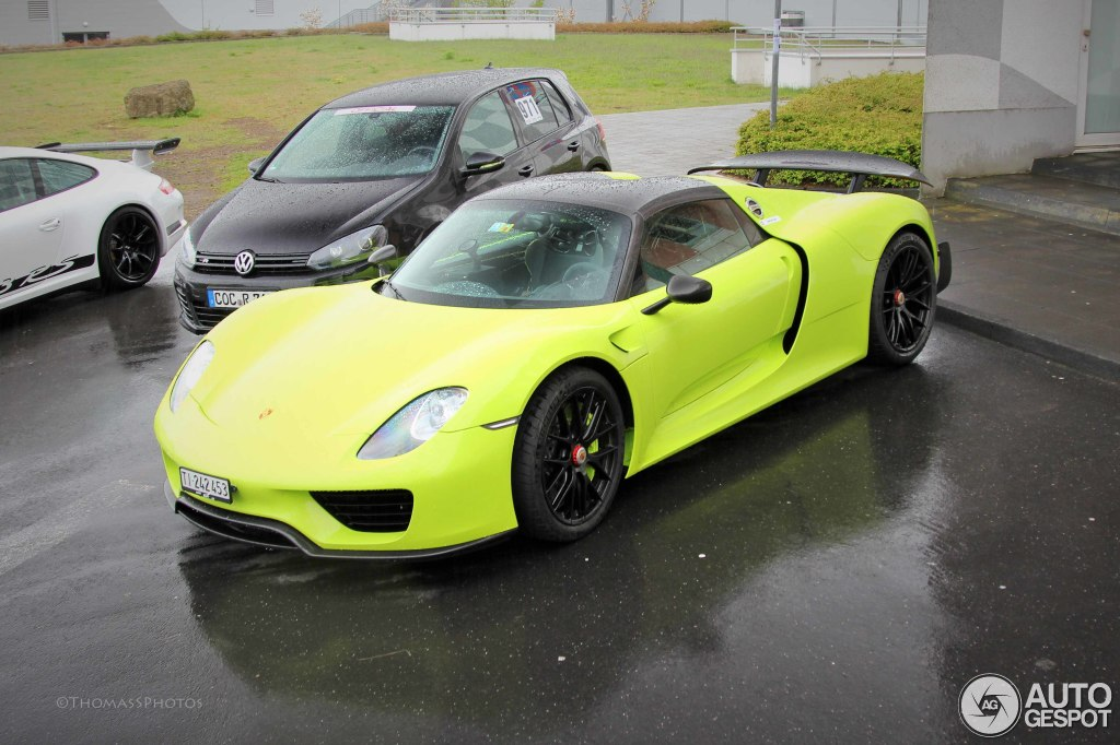 porsche-918-spyder-weissach-package-c147403052015211139_1