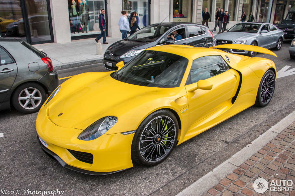 yellow porsche 918 spyder registry. Black Bedroom Furniture Sets. Home Design Ideas