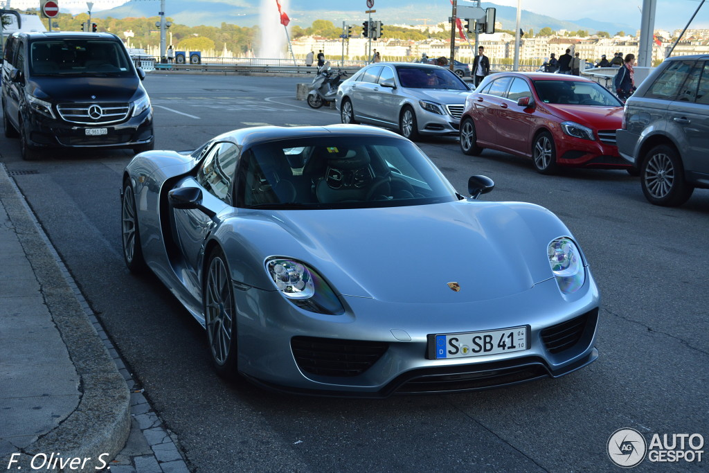 porsche-918-spyder-weissach-package-c466924092015193856_10