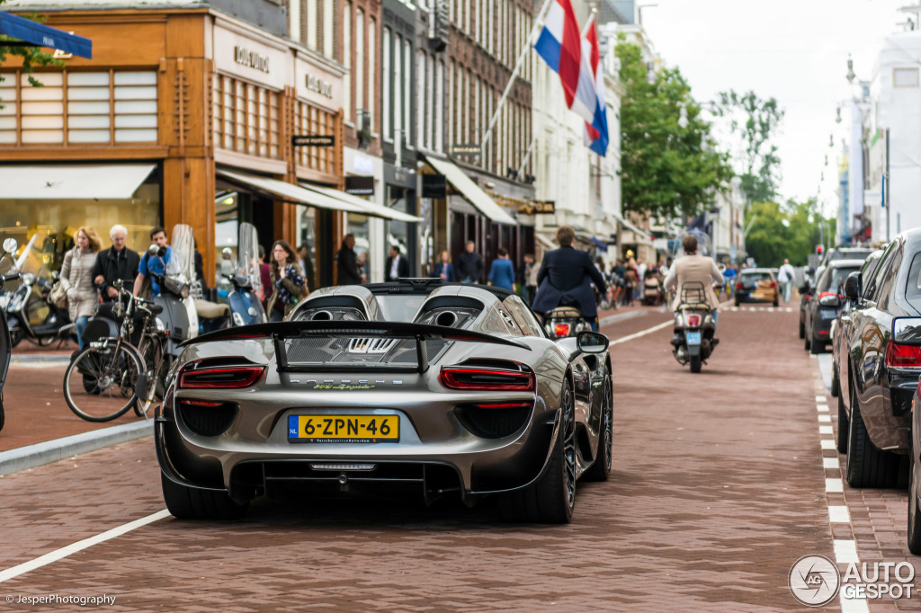 porsche-918-spyder-weissach-package-c858926092015175409_1
